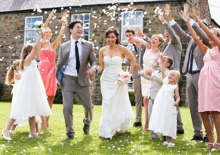 6 Reações infelizes que poderás não entender quando anunciares o teu casamento