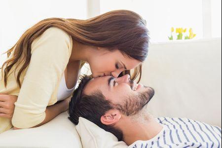 Sessão de fotos pre-wedding em casa: dicas para triunfar
