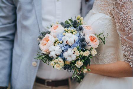 25 ramos de noiva azuis