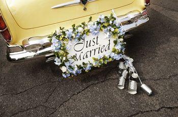 A decoração perfeita para o carro dos noivos
