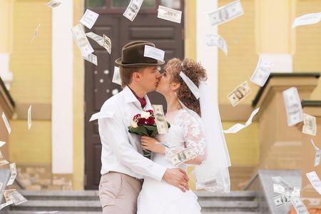 Como dizer aos vossos convidados que vos d�em dinheiro como presente de casamento