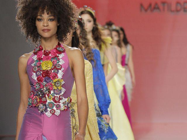 Vestidos de festa Matilde Cano 2018: a convidada perfeita