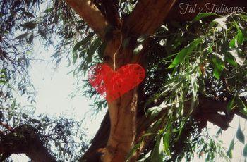 Decorar o casamento com corações pendurados