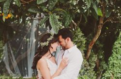 """Eva e David: um casamento """"total white"""", romântico, místico e muito chique"""