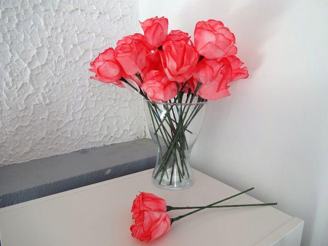 Flores de papel com filtros de café