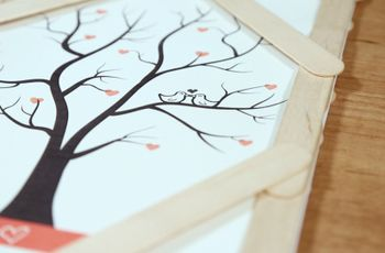 Árvore de impressões digitais DIY: surpreende os teus convidados!