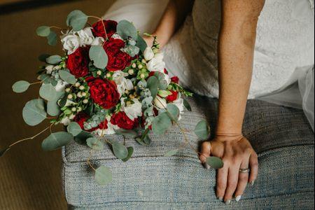 Ramos de noiva vermelhos: paixão e romance