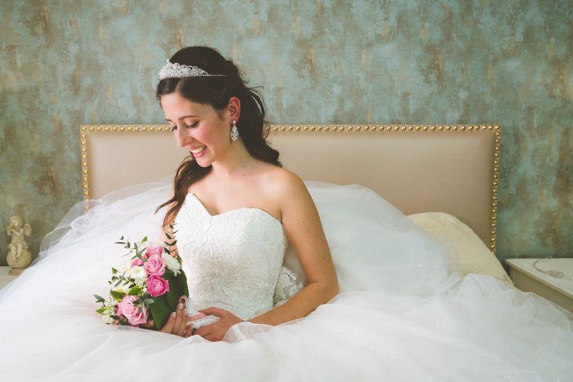 9ab7123ec4 40 vestidos com decote coração para as noivas românticas