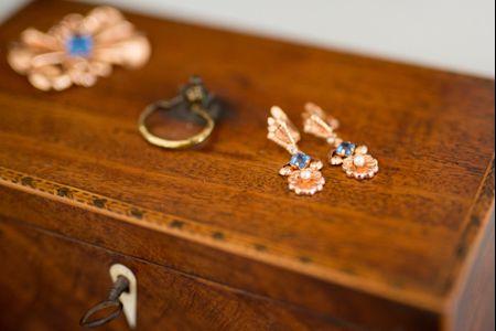 Brincos dourados para as noivas: 25 propostas de sonho!