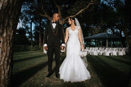 O casamento da Inês e do José: romantismo e ambiente total white em Sesimbra
