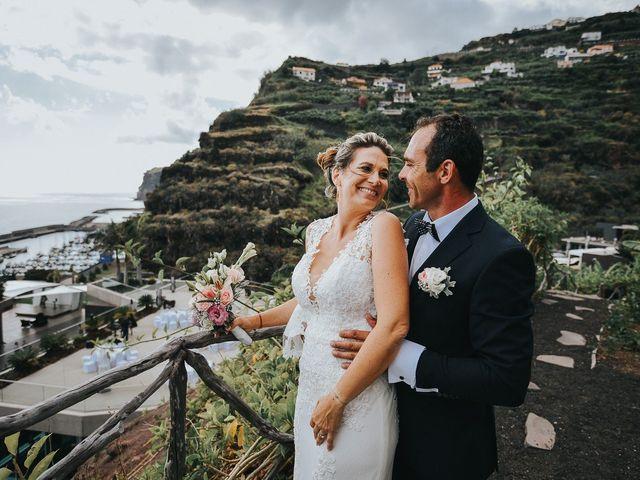 O casamento da Celine e do Tony: entre as montanhas da Madeira e o Oceano