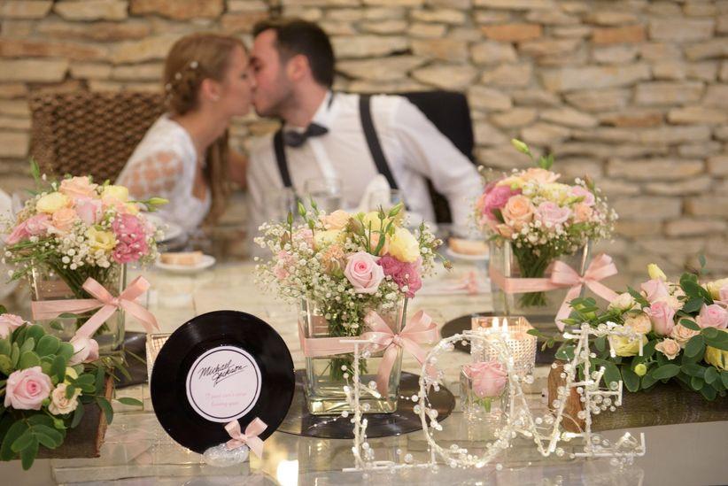 Ideias originais para nomear as mesas do copo de gua for Viciados de mesa