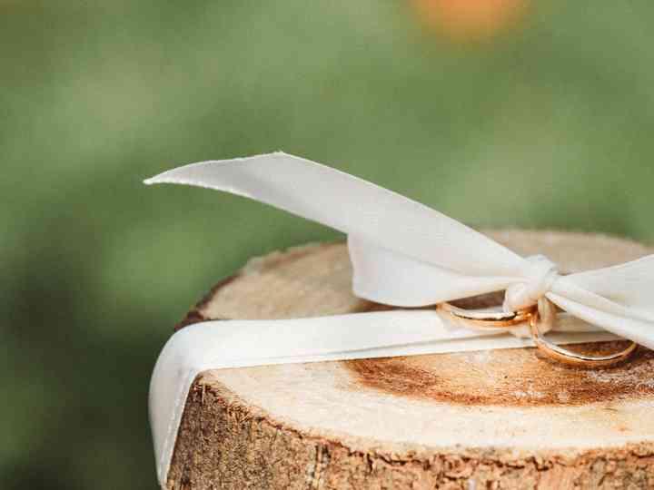 5 metais económicos para as vossas alianças de casamento