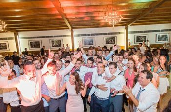 Surpreende os noivos com um divertido flashmob