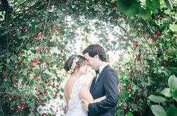 Arcos de flores para a decoração do casamento
