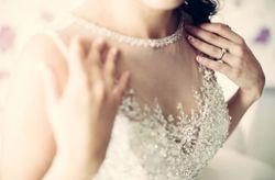 Que decote de vestido de noiva combina melhor com a tua personalidade?