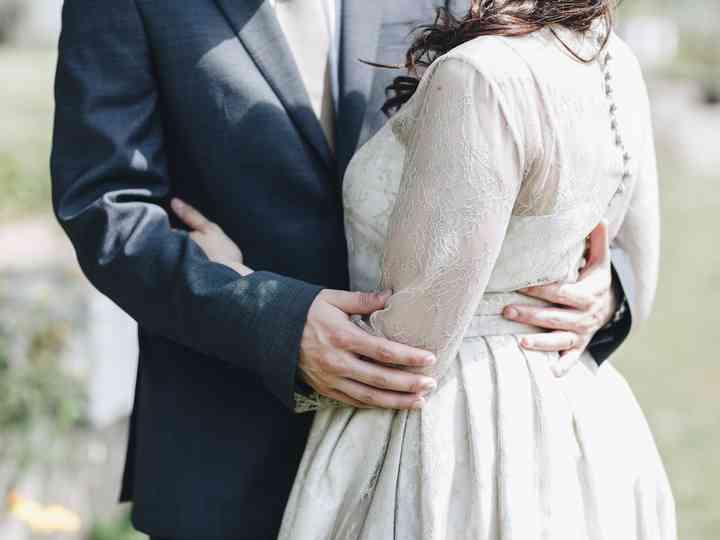 Casaco e vestido de festa, grandes aliados |