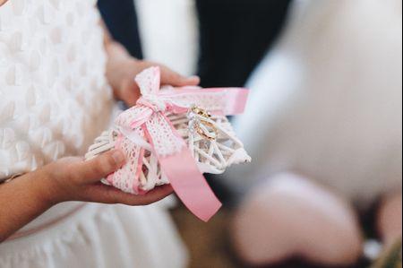 25 frases curtas para gravar nas alianças de casamento
