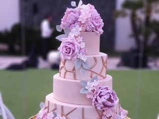 4 Cakes 1