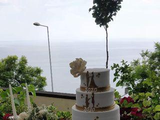4 Cakes 2