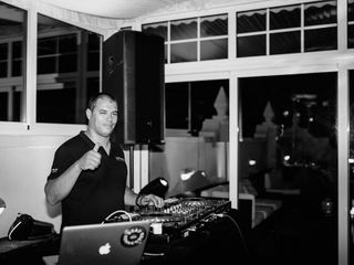 Ultramuzik - DJs, Som e Iluminação 3