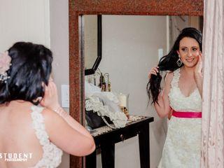 Marisela Veludo Fashion Designer 5