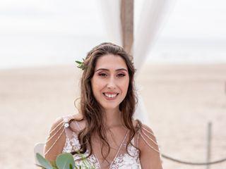 Carolina F Beauty Expert 5