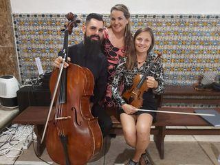 Strings n'Vox Trio 4