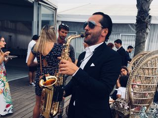 Ricardo Pereira band 2