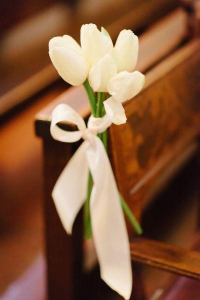 Inspirações pinterest | Decoração floral de cadeiras no corredor nupcial 7