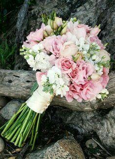 Mês rosa - inspirações buquê de noiva 6