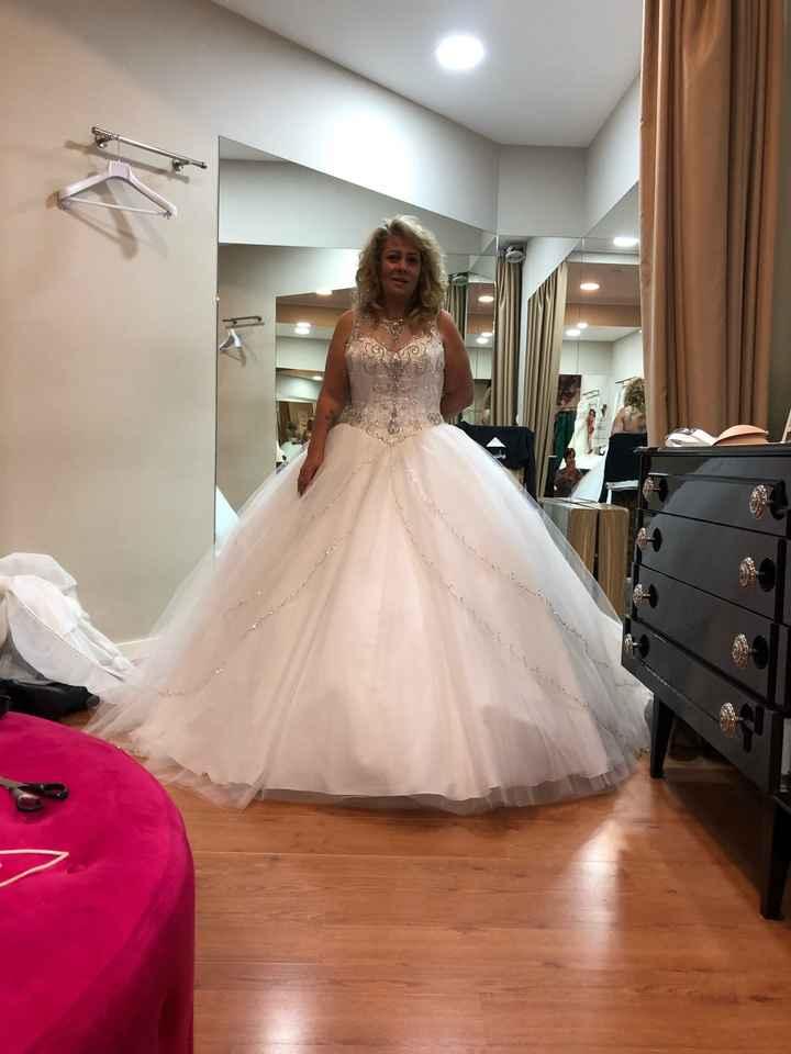 O meu vestido de noiva ideal tem de ser... - 1