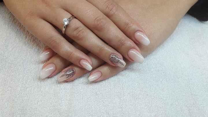 Manicure/pedicure - 1