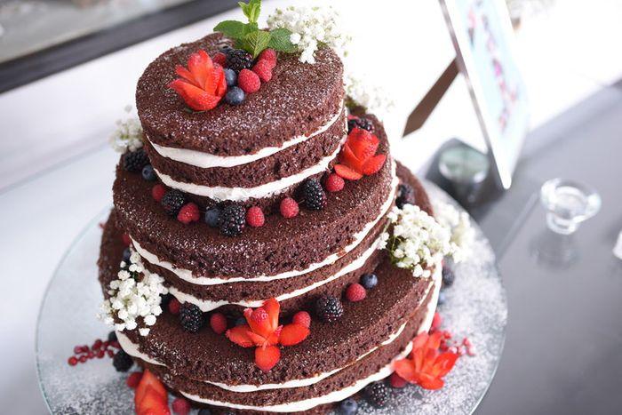 Inspirações para um casamento moderno: bolo dos noivos 5