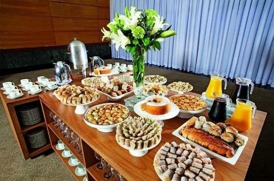Receção com coffee-break para os convidados em casa: sim ou não? 1