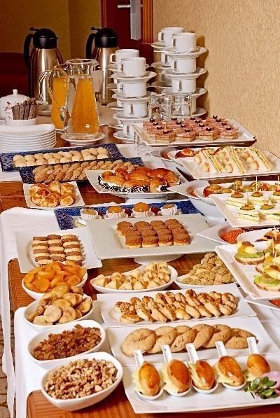 Receção com coffee-break para os convidados em casa: sim ou não? 4
