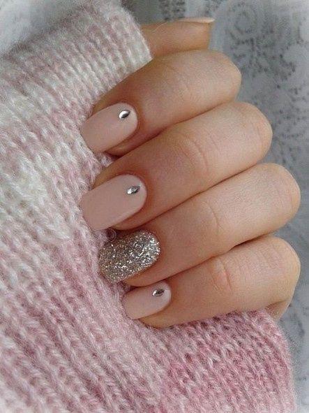 Princesa, sexy ou elegante: escolhe a manicure 3