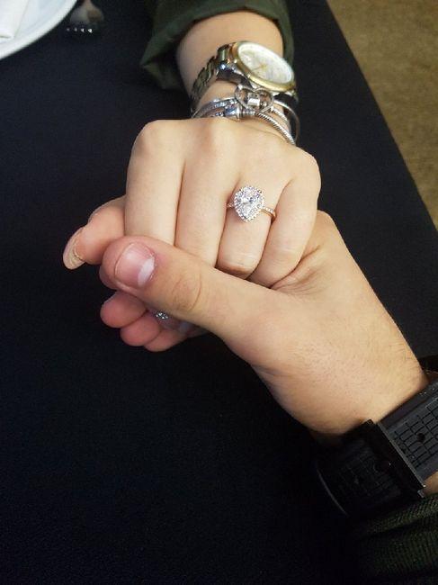 Bora partilhar o nosso anel de noivado? 💍😍 24