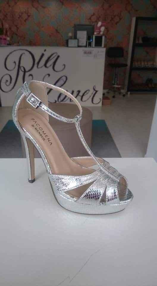 Brancos ou coloridos: os sapatos! - 1