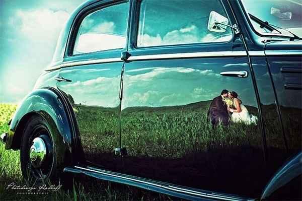 Noivos sombra no carro