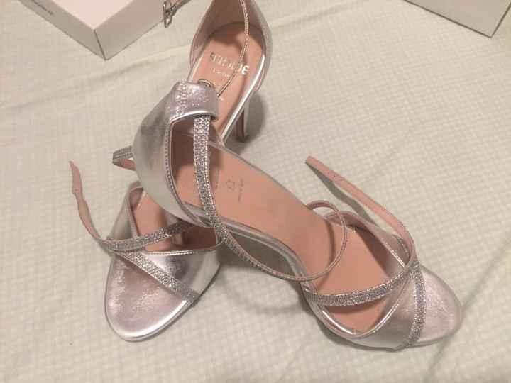 Novos sapatos/sandálias - 1