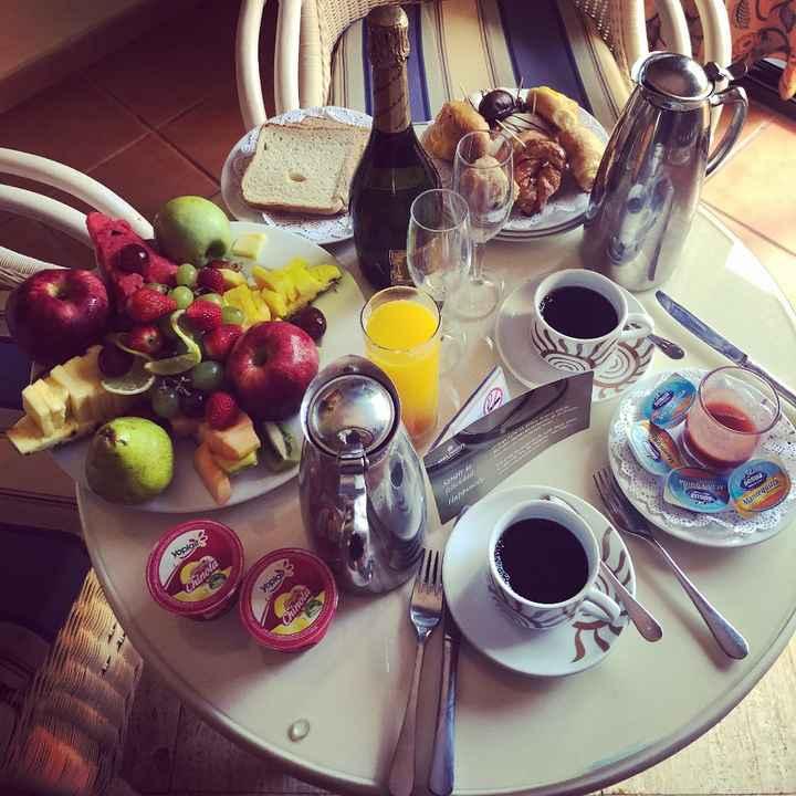 Pequeno almoço no quarto