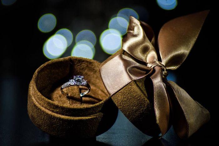 Olá noivinhas! Aqui fica o meu anel de noivado :)