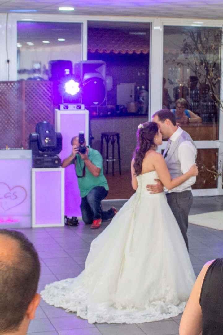 A primeira dança, que foi um arraso! Para rir, mesmo :)