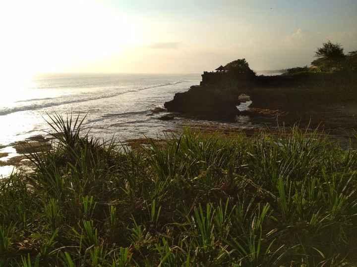 Ver o pôr do sol, junto ao Tanah Lot Temple