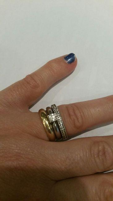 Anel de noivado: mão esquerda ou mão direita? - 1