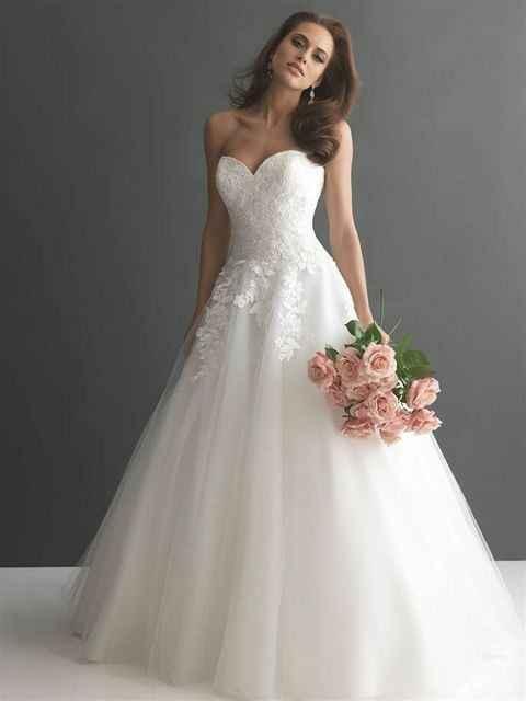 Vestido de noiva com ou sem cauda? - 1