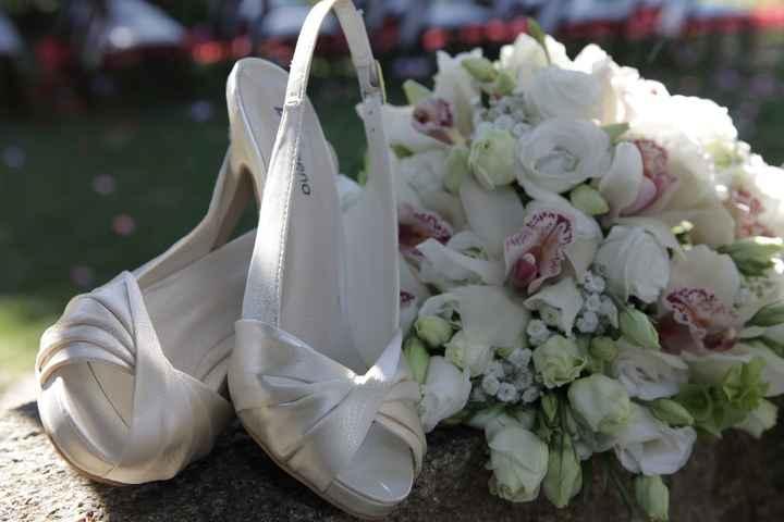 Sapatos e ramo