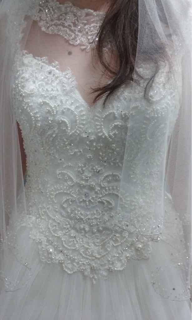 Aqui está o meu vestido - 1