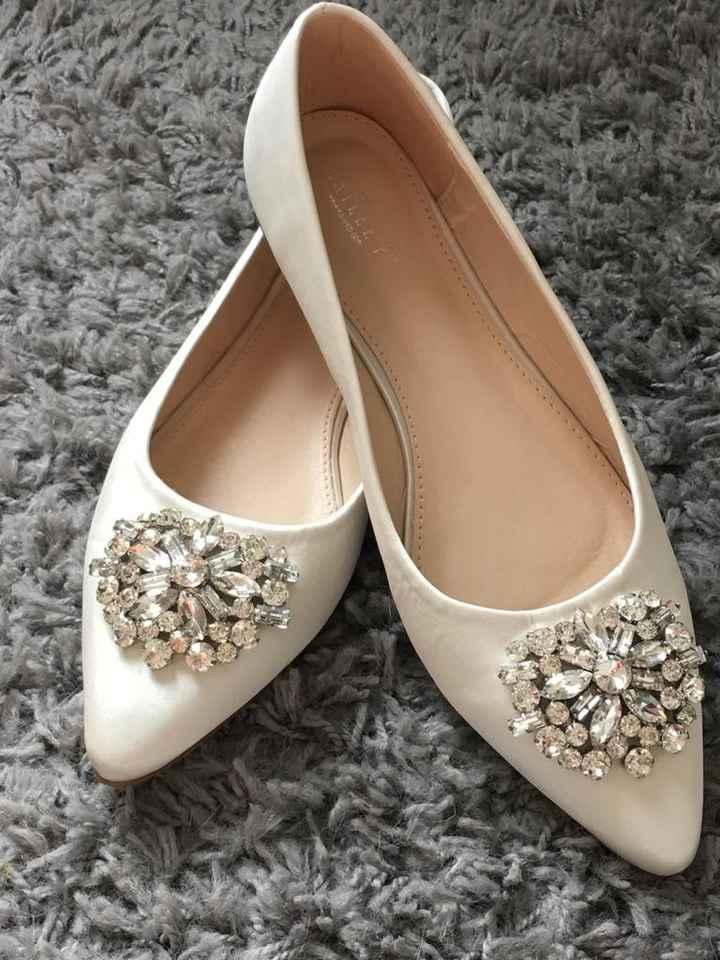 a Bebiana ja tem os seus Sapatos de noiva - 1